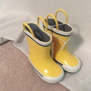 NWT Yellow Rain boots Size 4